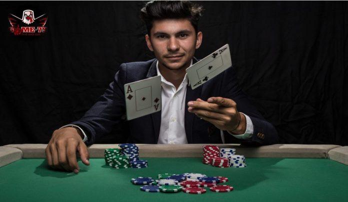 đọc bài đối thủ trong Poker